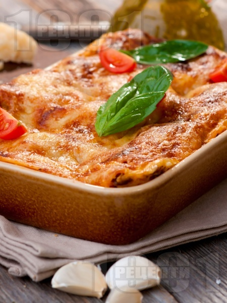 Лазаня с пилешко месо, домати и сос Бешамел - снимка на рецептата